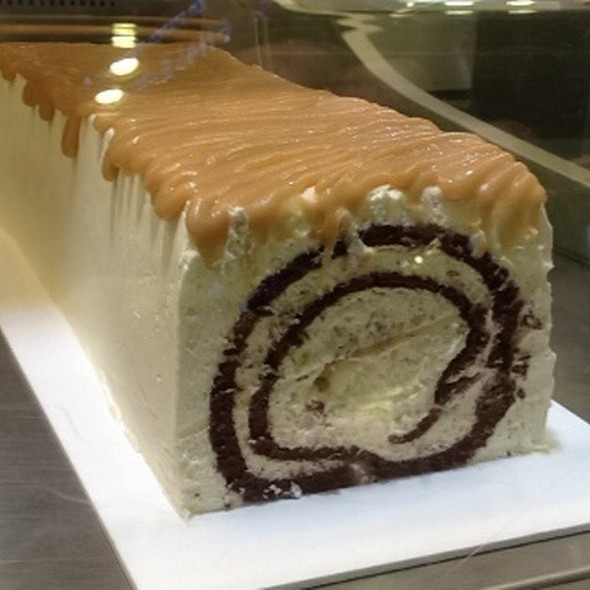White Chocolate Butterscotch Block @ Awfully Chocolate