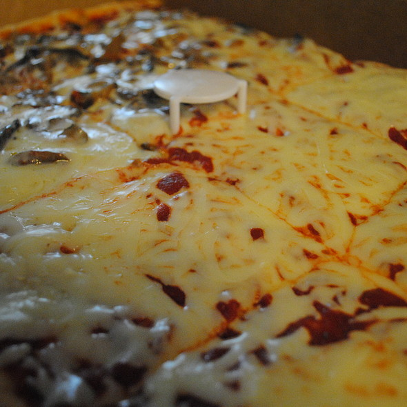 Pizza @ Dalo's Bakery