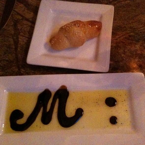Bread With Balsamic Vinegar And Olive Oil @ Mario Ristorante Italiano & Wine Bar