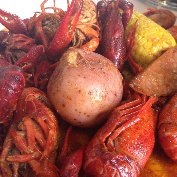 Boiled Crawfish With Potatoes And Corn On The Cob
