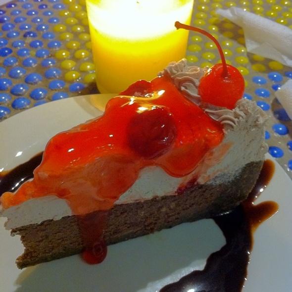 Cherry Triple Chocolate Cheesecake @ Banapple Pies & Cheesecakes