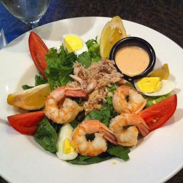 Shrimp And Crab Louie Salad - Blue Prynt Restaurant & Bar, Sacramento, CA