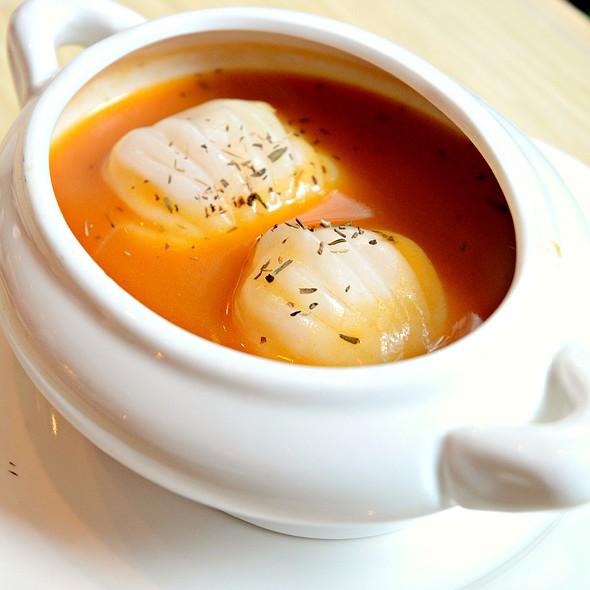 King's Dumplings In Lobster Bisque 龍蝦湯三皇餃 @ dimsumbar 點一龍