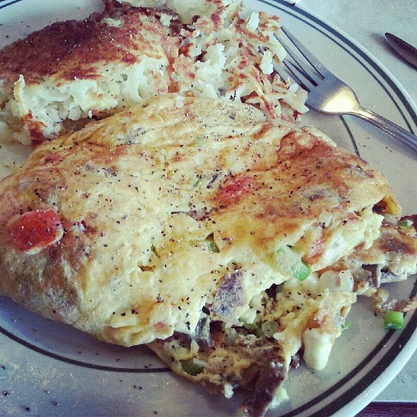 Greek Omelette With Gyros @ Diamonds Family Restaurant