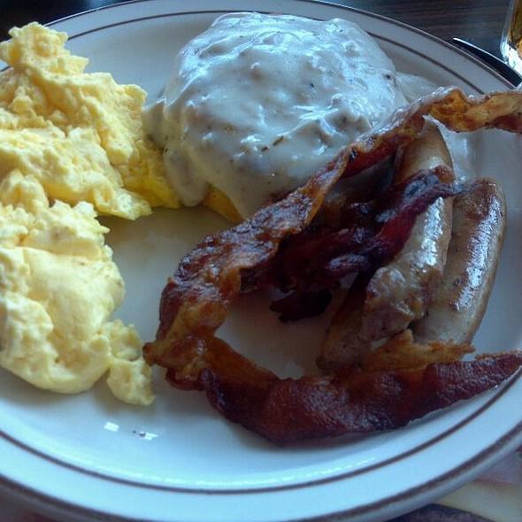 Breakfast Bar @ Frisch's Big Boy Restaurant