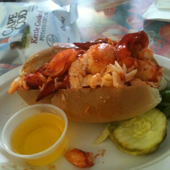 Lobster Roll (Hot With Drawn Butter) @ J T's Seafood