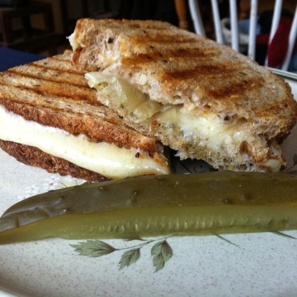 Grilled Gouda, Pesto & Carmelized Onion
