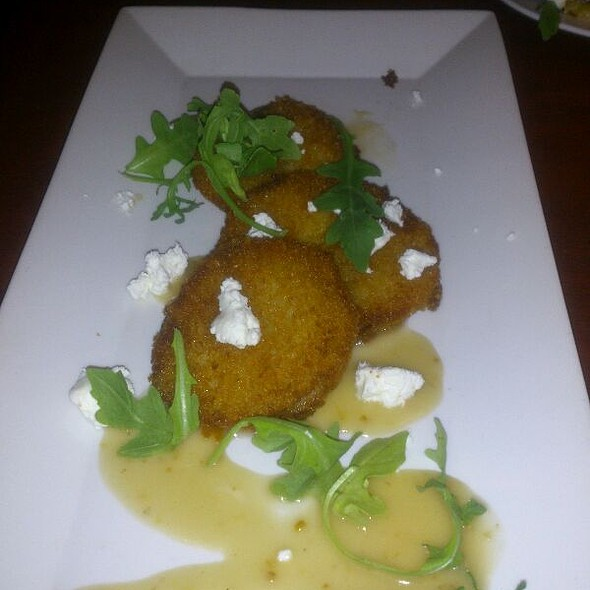Fried Green Tomatoes @ Churchill's Pub & Restaurant