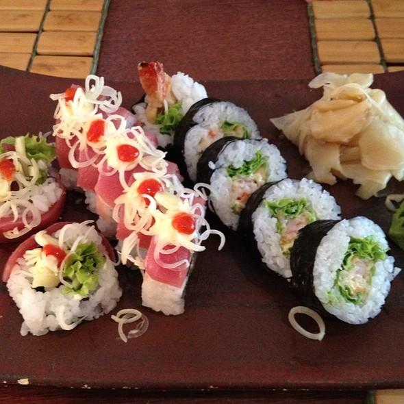 Spicy Tuna & Tempura Maki @ Tomo Sushi