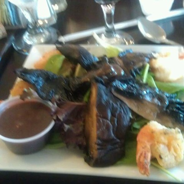 Marinated Portobello Mushroom & Shrimp Salad @ Cafe Pierrot