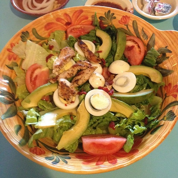 Captivating Fiesta Salad With Chicken At La Fiesta Patio Cafe