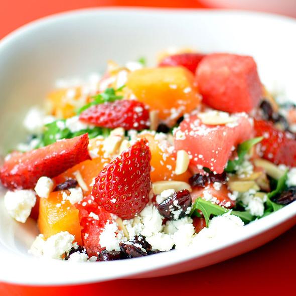 Strawberry Spinach Salad @ Vapiano