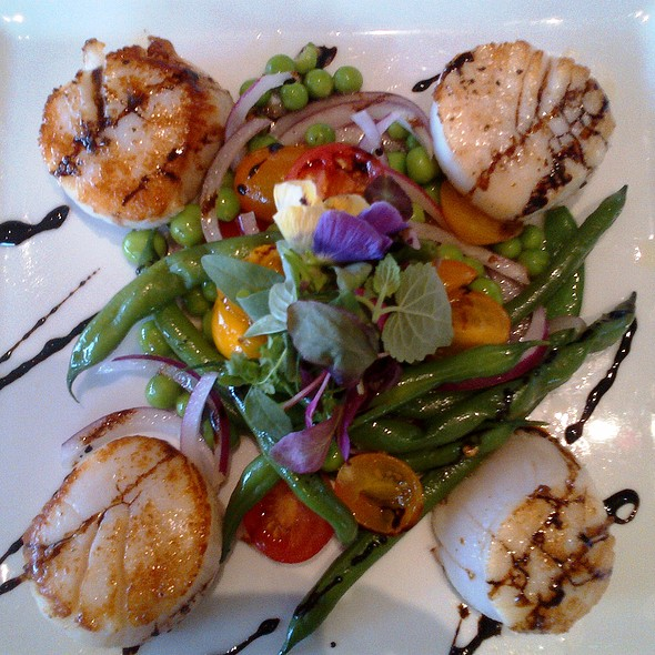 Scallops @ Jewel Restaurant and Lounge
