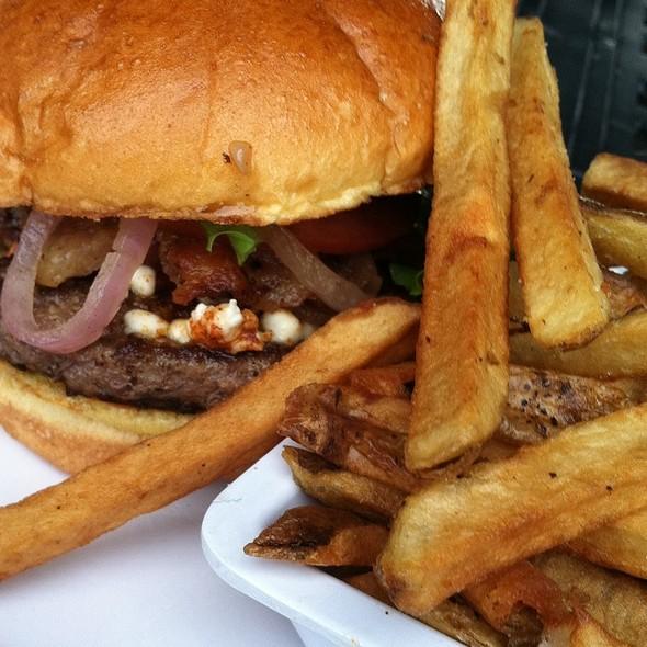 Bacon Cheeseburger @ BT'S Burger Joint