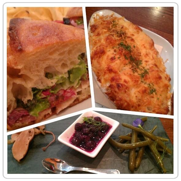 Lunch @ La Laiterie at Farmstead