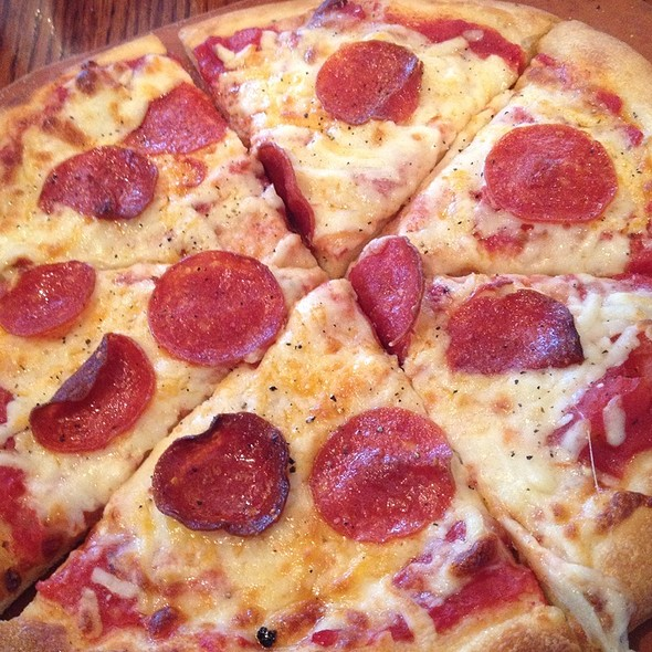 Pepperoni Pizza @ Olive Garden