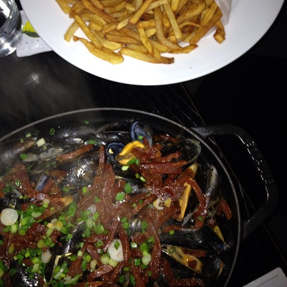 Mussels And Chorizo @ Mama Shelter