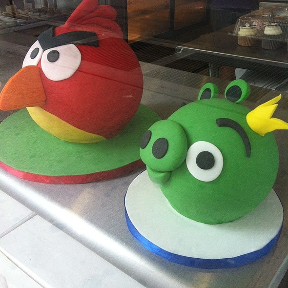 Marzipan Angry Birds Cake @ Empire Cake
