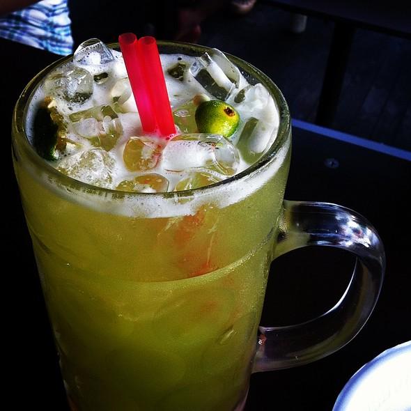 Sugar cane juice with calamansi