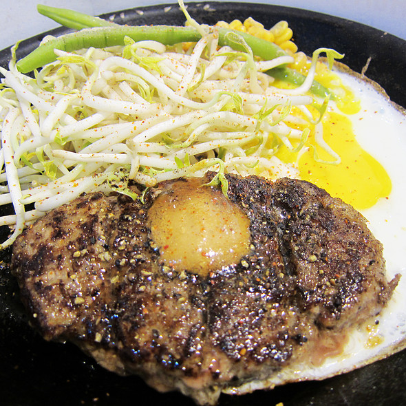 Beef Hamburg with Egg
