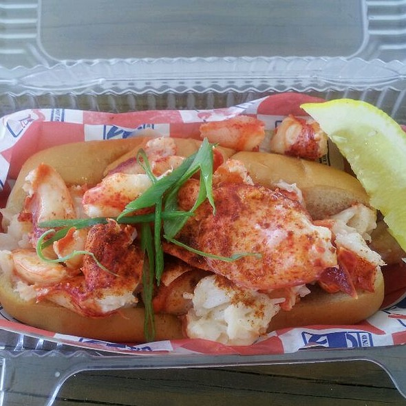 Connecticut-style Hot Lobster Roll @ Red Hook Lobster Truck DC