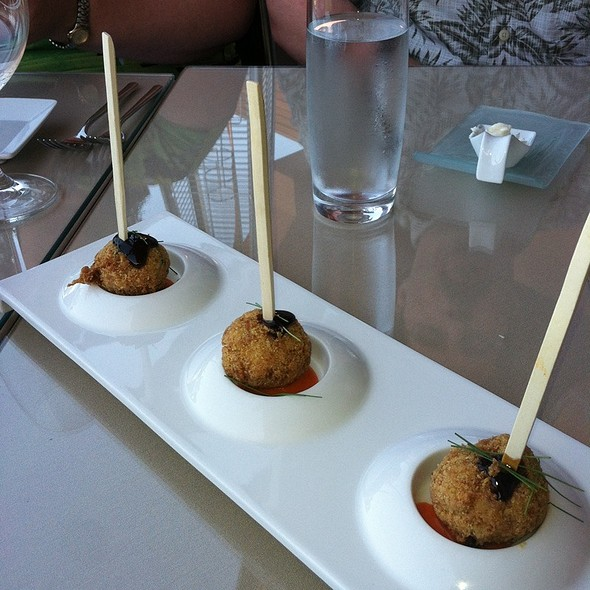 Dungeness Crab Poppers - Vista prime steaks & seafood, Snoqualmie, WA