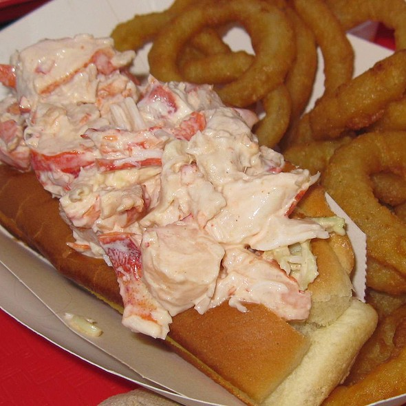 Lobster Roll (Sandwich) @ Gurnet Trading Co.