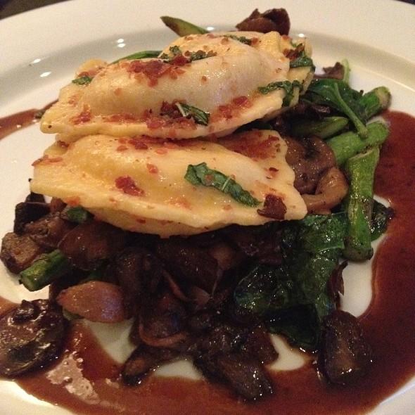 Lobster Ravioli @ Pisces California Cuisine