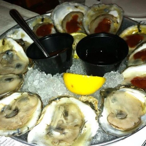 Oysters @ Mama's On the Half Shell
