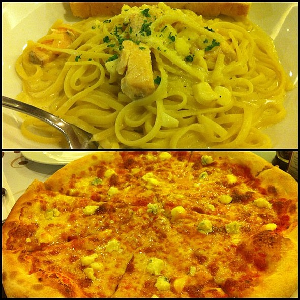 Late lunch. Salmon Linguini and Four Cheese Pizza. @ Amici