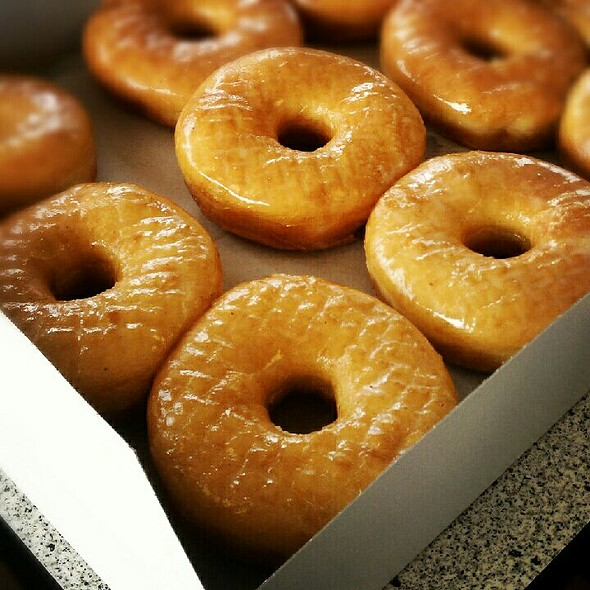 Glazed Donuts @ Winchell's
