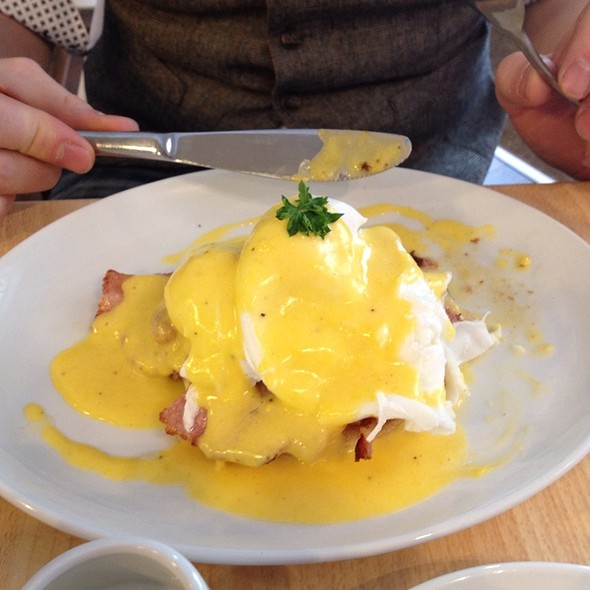 Eggs Benedict @ Quay Ingredient