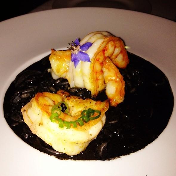 Arroz Negro Meloso Con Gambas Y Calamares @ Restaurante Eñe