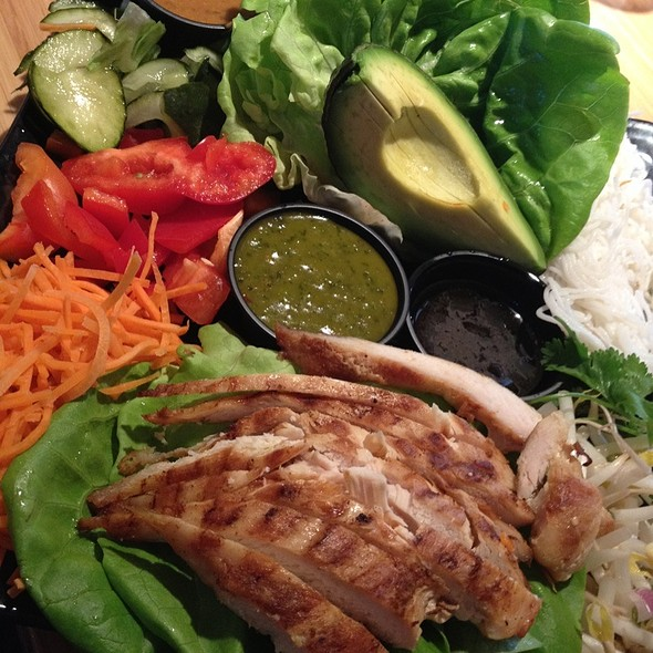 Chicken Lettuce Wraps @ Tokyo Joe's