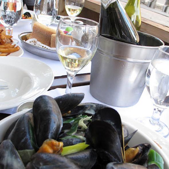 Mussels in white wine @ Restaurant L'Academie