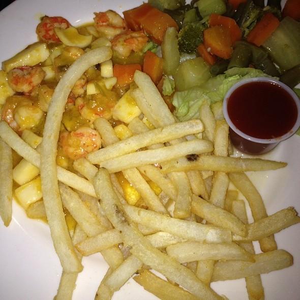 Shrimp N Calamari With French Fries @ Los Toneles Dorados