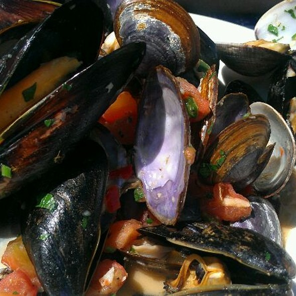 Mussels and Clams @ Pier 23 Cafe