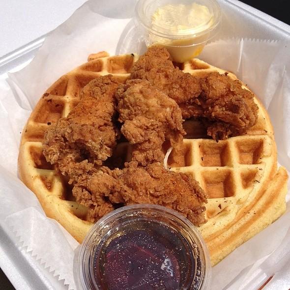Chicken & Waffles @ waffle boss food truck
