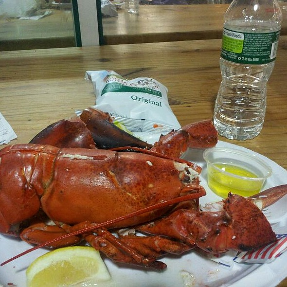 Whole Maine Lobster @ The Lobster Place
