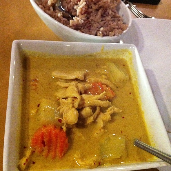 Chicken Yellow Curry @ Thai Pepper