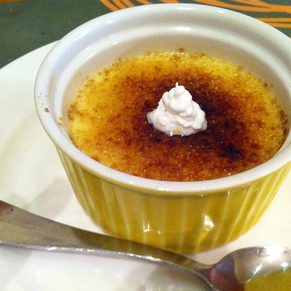 Créme Brulé @ Cafe Mangii