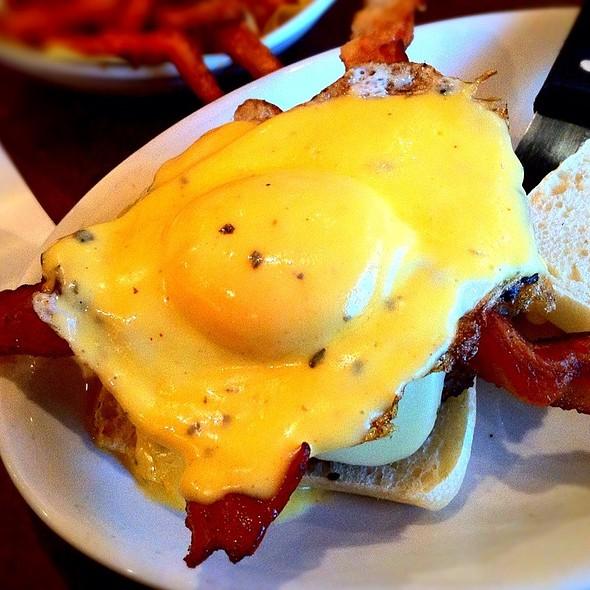 Bacon & Egg Burger @ Kenny's Burger Joint