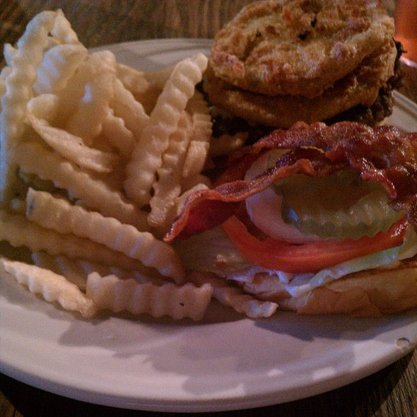 Fried Green Tomato Burger W French Fries At Kathy S Country Kitchen