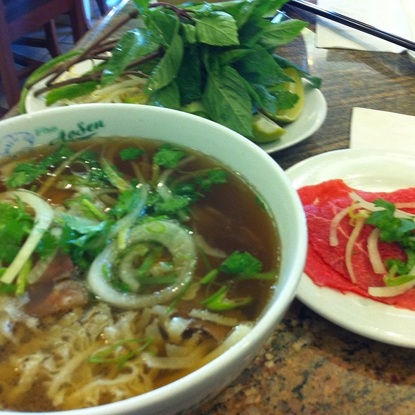 Pho With Tendon, Tripe And Beef On The Side @ Pho Ao Sen Restaurant