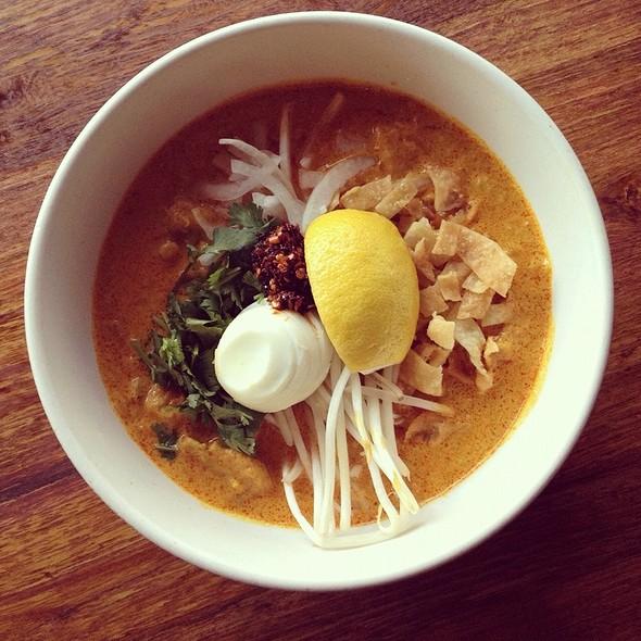 Oh Noh Kauswer @ Burma Superstar Restaurant