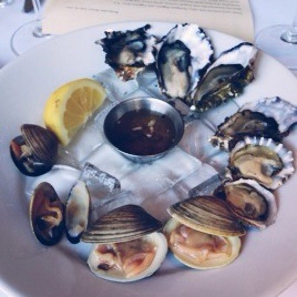Oysters & Clams @ Zuni Cafe