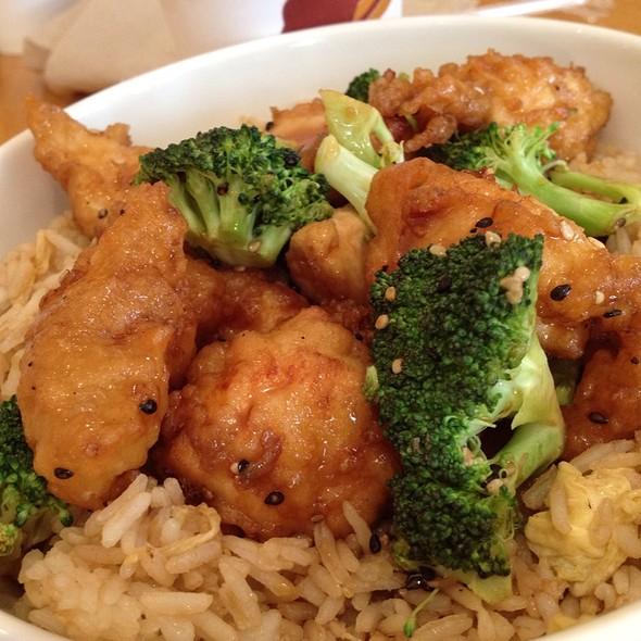 Sesame chicken @ Tin Drum Asia Cafe