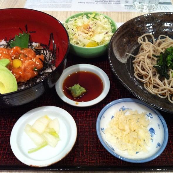 Salmon Yukke Set @ Shimbashi Soba