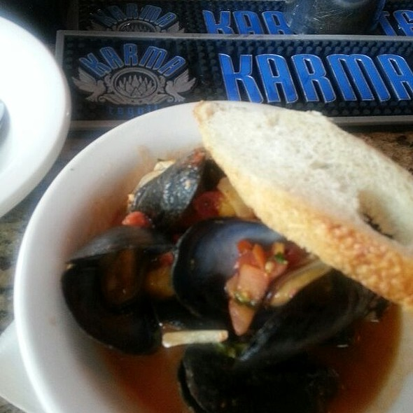 Mussels in Tomato Sauce @ Noche