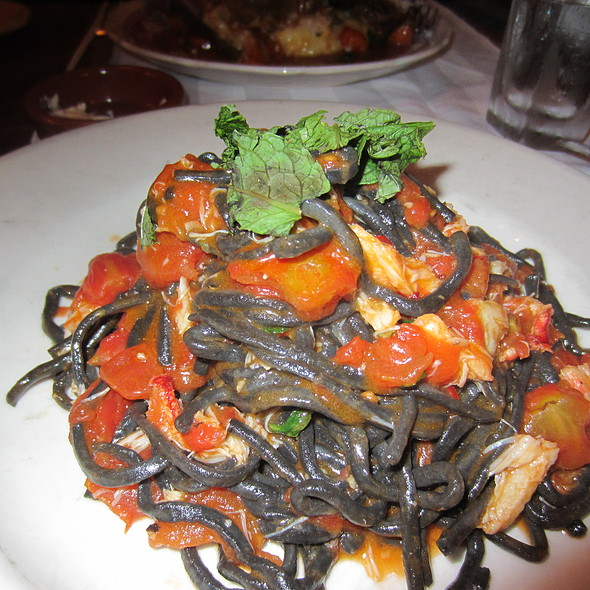 Spaghetti @ Al Di La Trattoria